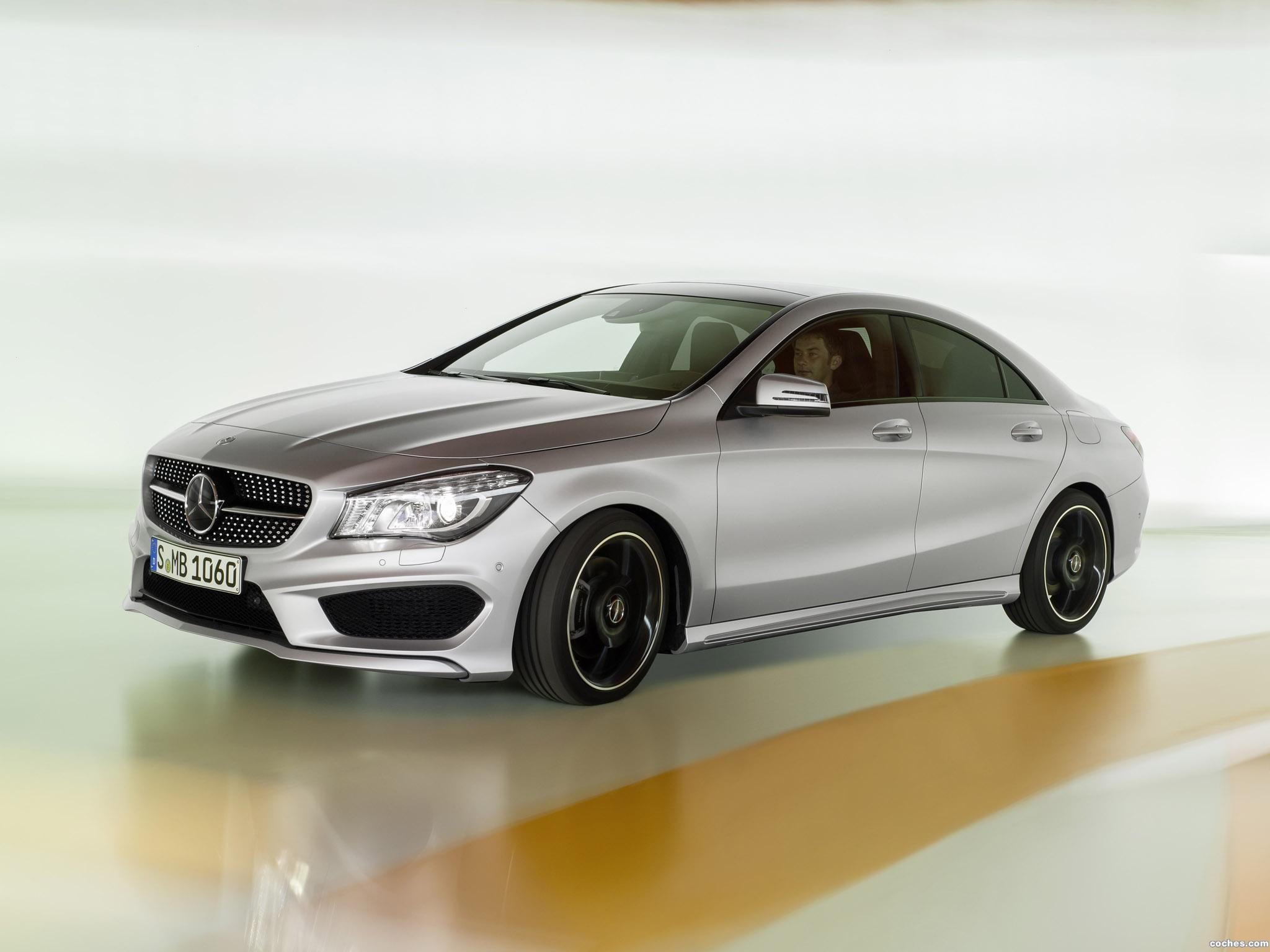 Foto 10 de Mercedes Clase CLA 250 AMG Sports Package Edition 1 C117 2013