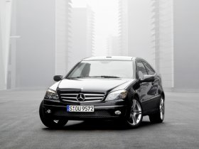 Ver foto 1 de Mercedes Clase CLC Kompressor 2008