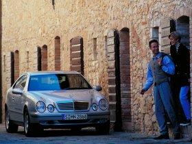 Ver foto 2 de Mercedes CLK 1997