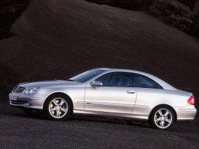 Ver foto 12 de Mercedes CLK 2002
