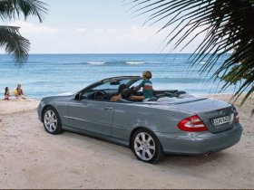 Ver foto 2 de Mercedes CLK 2002