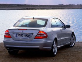 Ver foto 9 de Mercedes CLK 2002
