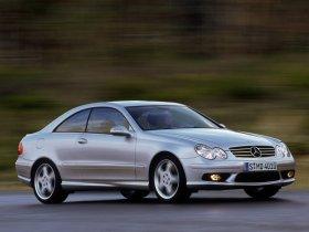 Ver foto 3 de Mercedes CLK 2002