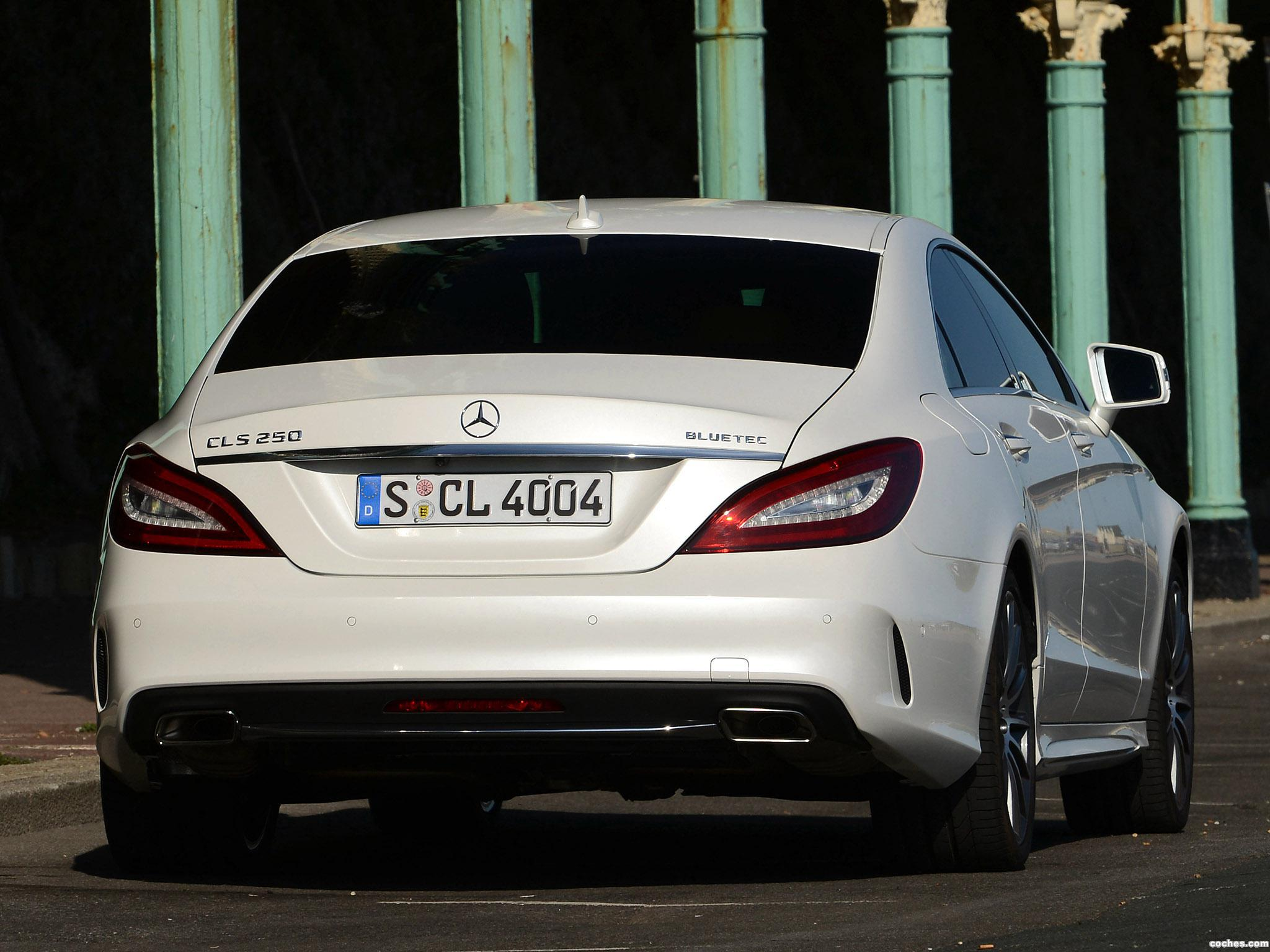 Foto 2 de Mercedes Clase CLS 250 BlueTec AMG Sports Package C218 2014
