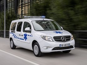 Fotos de Mercedes Citan Ambulance 2013