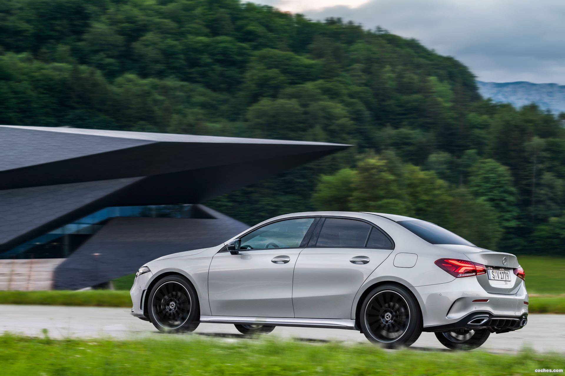 Foto 29 de Mercedes Clase A Sedan AMG Line Black 2019