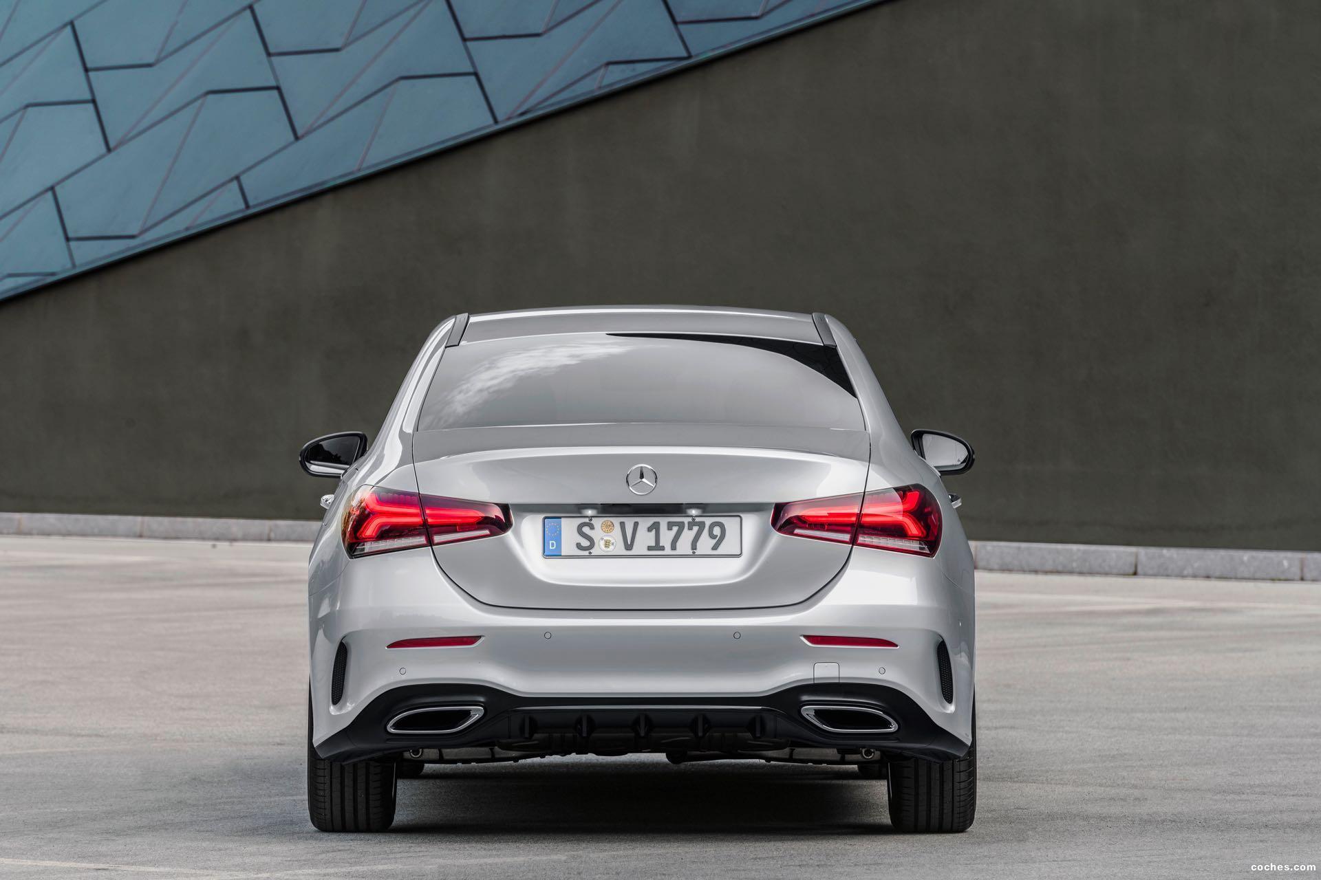 Foto 27 de Mercedes Clase A Sedan AMG Line Black 2019