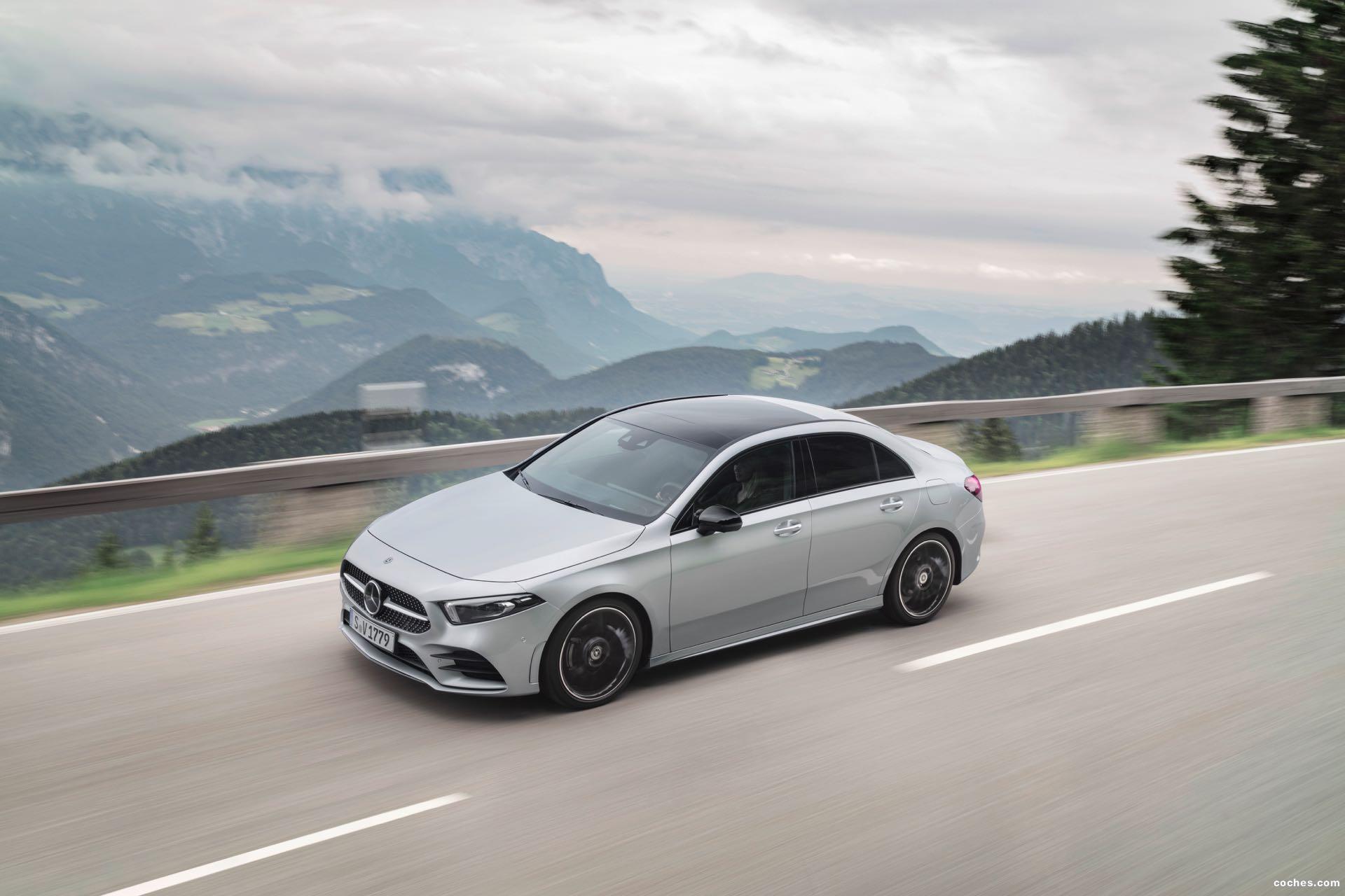 Foto 6 de Mercedes Clase A Sedan AMG Line Black 2019