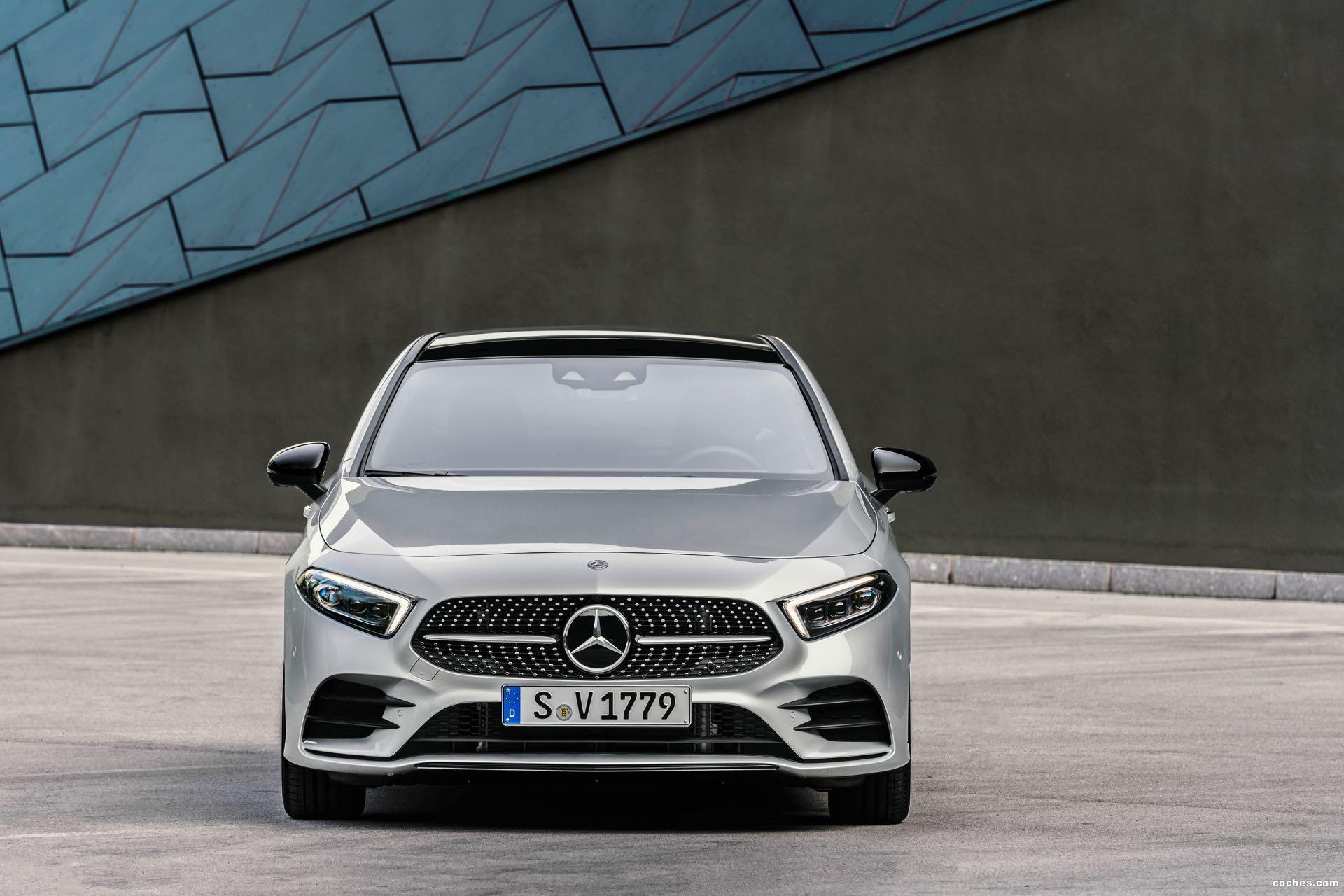 Foto 36 de Mercedes Clase A Sedan AMG Line Black 2019