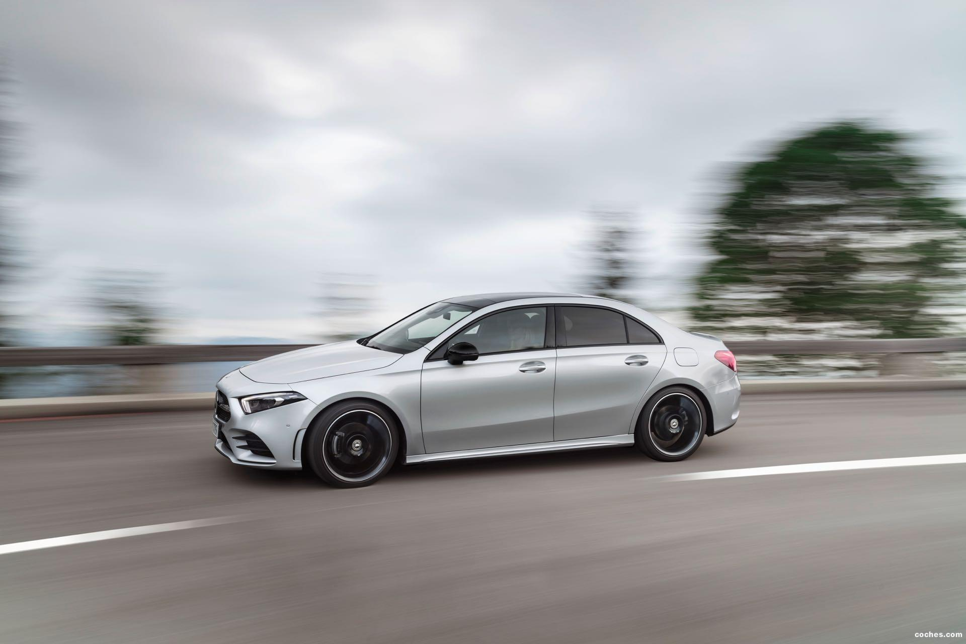 Foto 9 de Mercedes Clase A Sedan AMG Line Black 2019