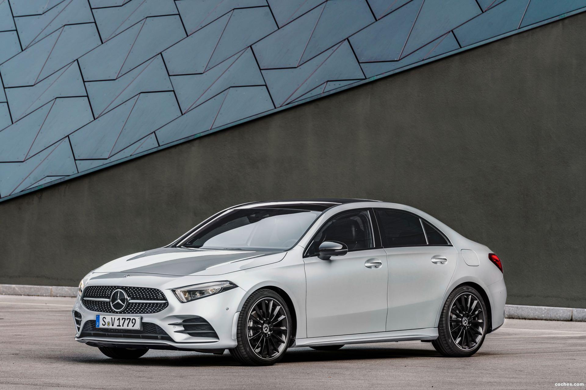 Foto 21 de Mercedes Clase A Sedan AMG Line Black 2019