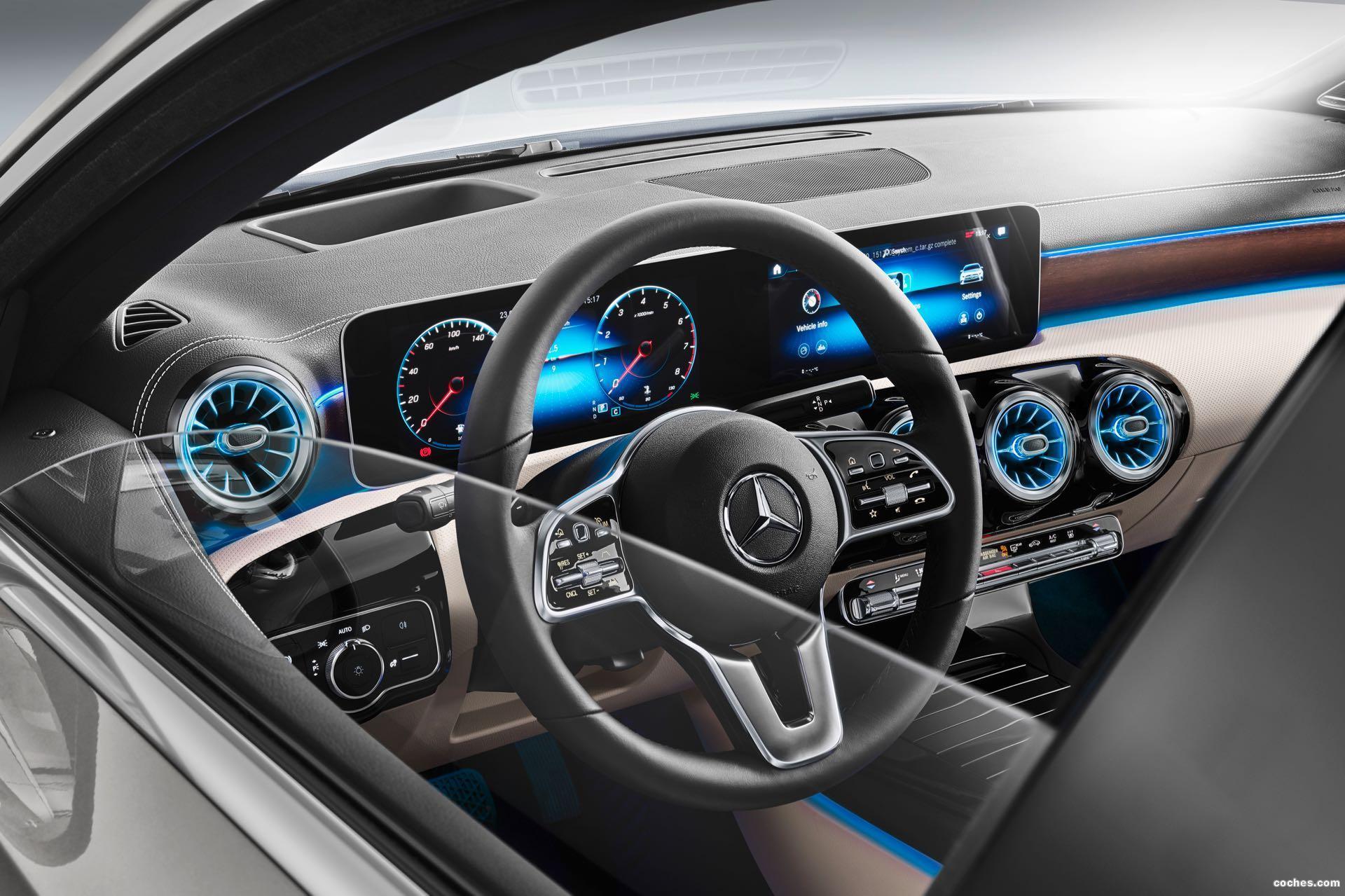 Foto 40 de Mercedes Clase A Sedan AMG Line Black 2019