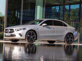 Ver foto 1 de Mercedes Clase A Sedan 250 e 2020