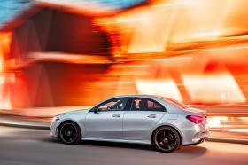 Ver foto 1 de Mercedes Clase A Sedan AMG Line Black 2019