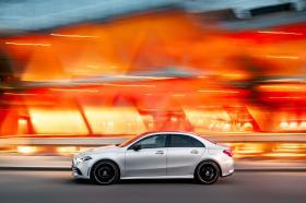 Ver foto 3 de Mercedes Clase A Sedan AMG Line Black 2019