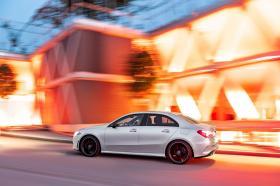 Ver foto 2 de Mercedes Clase A Sedan AMG Line Black 2019