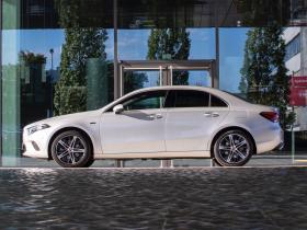 Ver foto 8 de Mercedes Clase A Sedan 250 e 2020