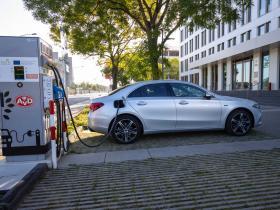 Ver foto 5 de Mercedes Clase A Sedan 250 e 2020