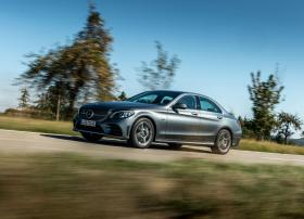Ver foto 2 de Mercedes Clase C 300 de AMG Line 2019