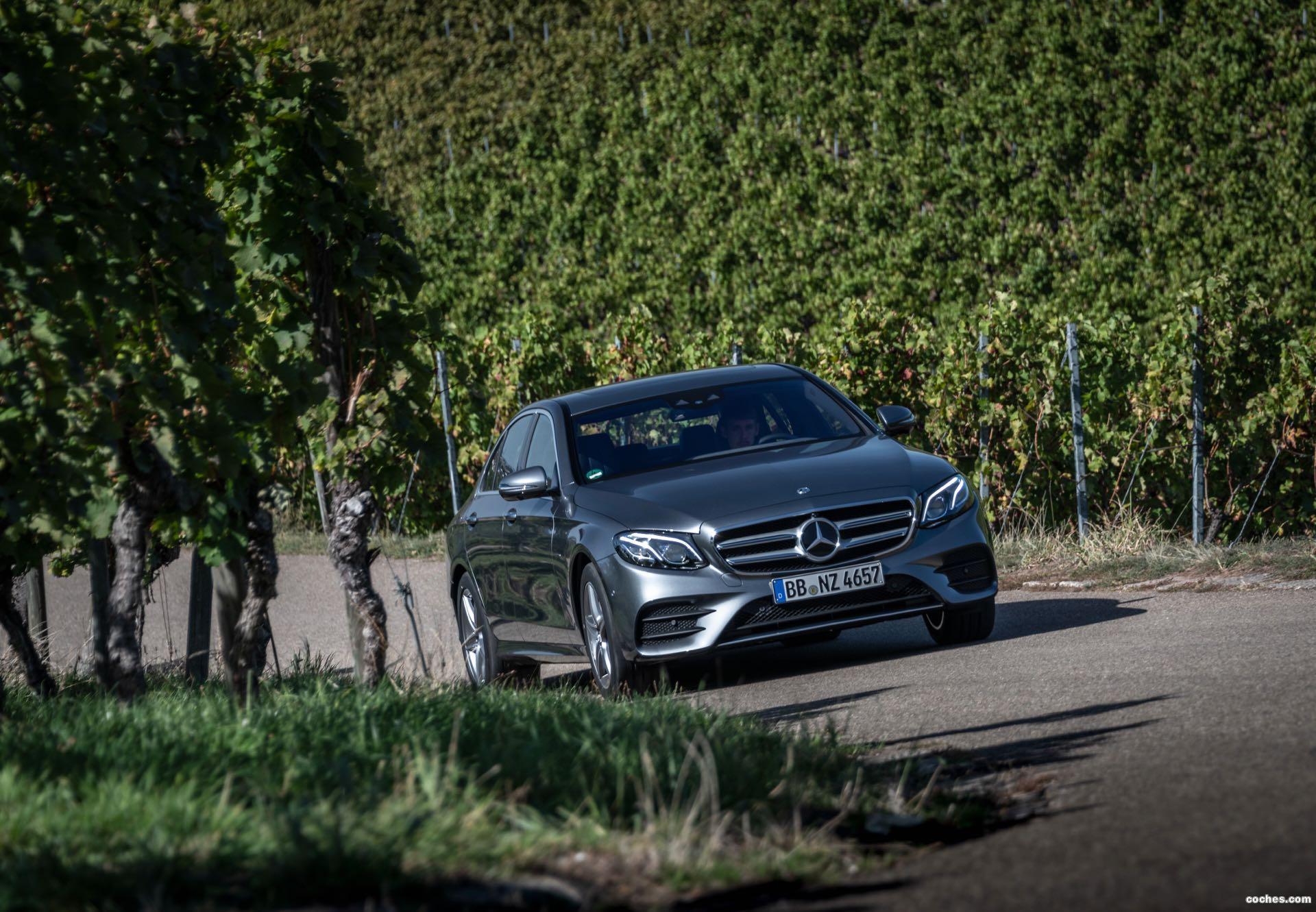 Foto 0 de Mercedes Clase E 300e AMG Line 2018
