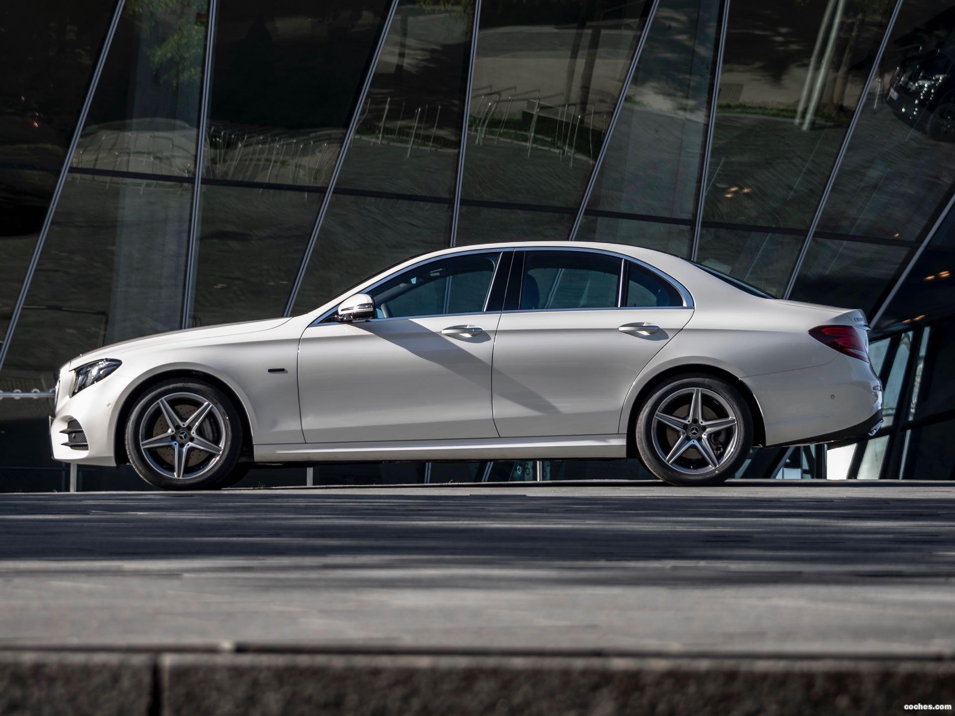 Foto 2 de Mercedes Clase E 300 de 2019