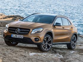 Ver foto 1 de Mercedes GLA 220d 4MATIC 2017