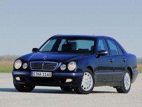 Ver foto 3 de Mercedes Clase E W210 1996