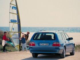 Ver foto 2 de Mercedes Clase E W210 1996