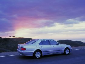 Ver foto 14 de Mercedes Clase E W210 1996