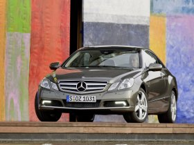 Ver foto 5 de Mercedes Clase E Coupe 2009