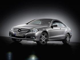 Ver foto 2 de Mercedes Clase E Coupe 2009