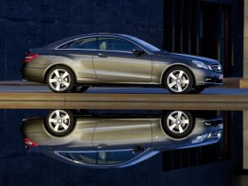 Ver foto 11 de Mercedes Clase E Coupe 2009