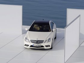 Ver foto 4 de Mercedes Clase E Coupe AMG Sports Package 2009