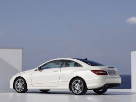 Ver foto 7 de Mercedes Clase E Coupe AMG Sports Package 2009