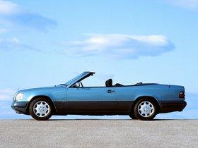 Ver foto 17 de Mercedes Clase E Cabrio E220 A124 1993