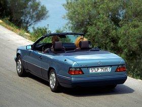 Ver foto 10 de Mercedes Clase E Cabrio E220 A124 1993