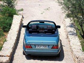 Ver foto 9 de Mercedes Clase E Cabrio E220 A124 1993
