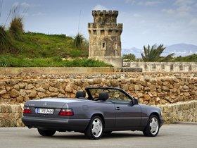 Ver foto 6 de Mercedes Clase E Cabrio E220 A124 1993