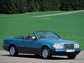 Ver foto 4 de Mercedes Clase E Cabrio E220 A124 1993