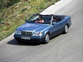Ver foto 25 de Mercedes Clase E Cabrio E220 A124 1993