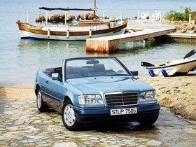 Ver foto 21 de Mercedes Clase E Cabrio E220 A124 1993