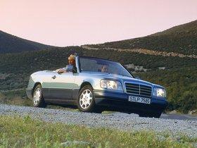 Ver foto 20 de Mercedes Clase E Cabrio E220 A124 1993