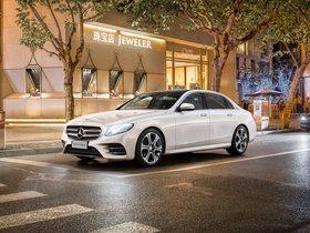 Ver foto 1 de Mercedes Clase E 320 L AMG Line 4Matic V213 2016