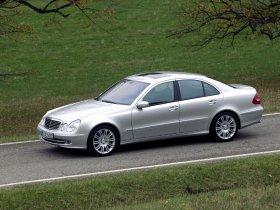 Ver foto 4 de Mercedes Clase E E350 W211 2003