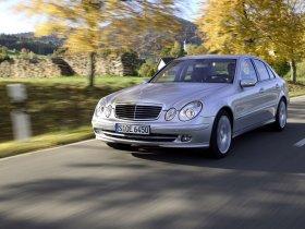 Ver foto 1 de Mercedes Clase E E350 W211 2003