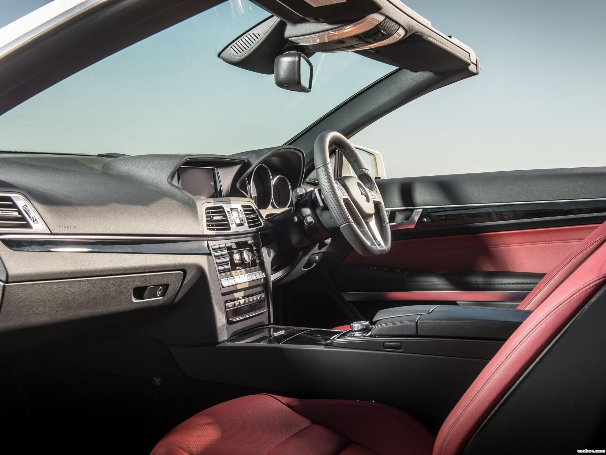 Foto 14 de Mercedes Clase E E350 BlueTec Cabrio AMG Sports Package A207 UK 2013