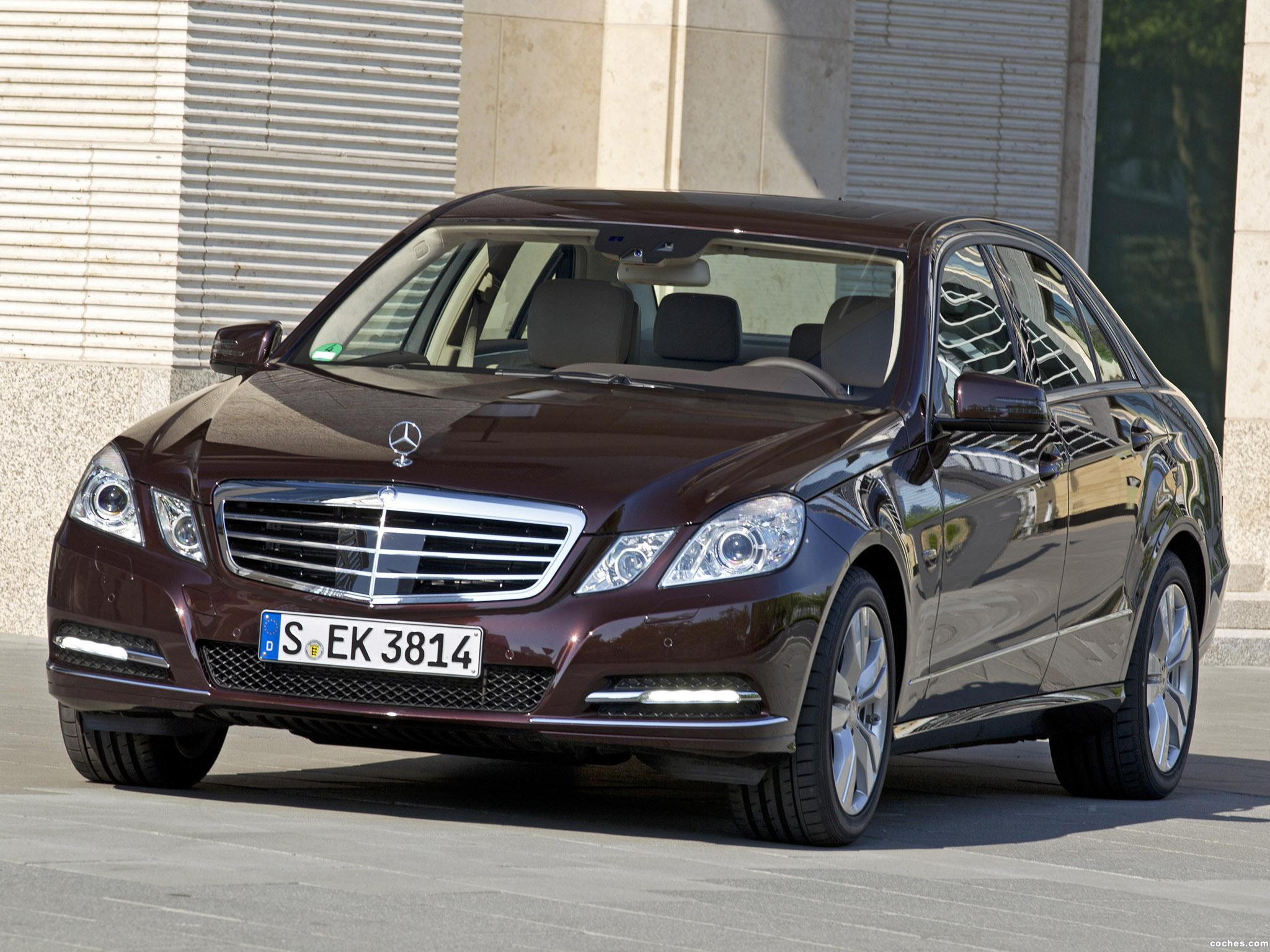 Foto 0 de Mercedes Clase E E350 CGi BlueEFFICIENCY 2011