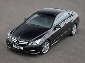 Ver foto 13 de Mercedes Clase E Coupe E500 AMG Sports Package UK 2009