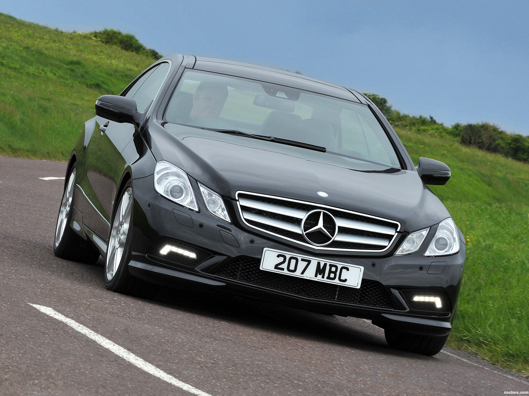 Foto 0 de Mercedes Clase E Coupe E500 AMG Sports Package UK 2009
