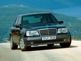 Ver foto 1 de Mercedes Clase E E500 W124 1993